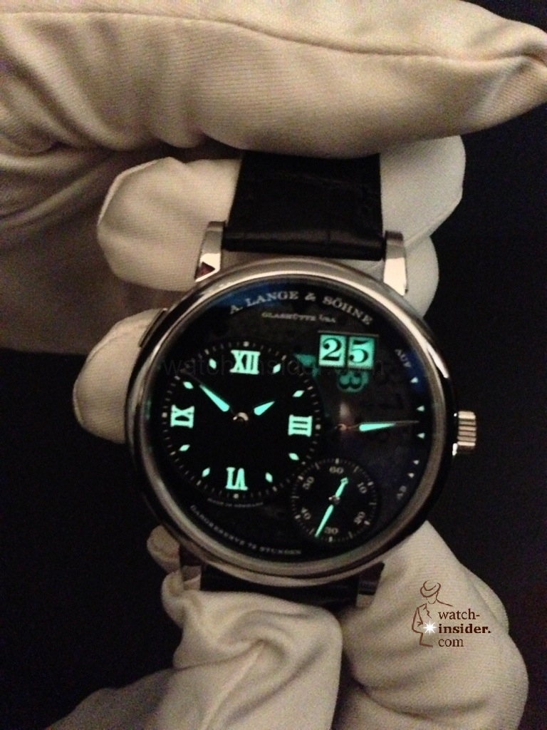 www.watch insider.com | news  | A very first view at the brand new A. Lange & Shne Grosse Lange 1 Lumen | 20121207 164707