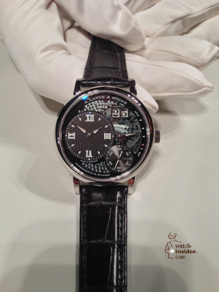 www.watch insider.com | news  | A very first view at the brand new A. Lange & Shne Grosse Lange 1 Lumen | 20121207 164727