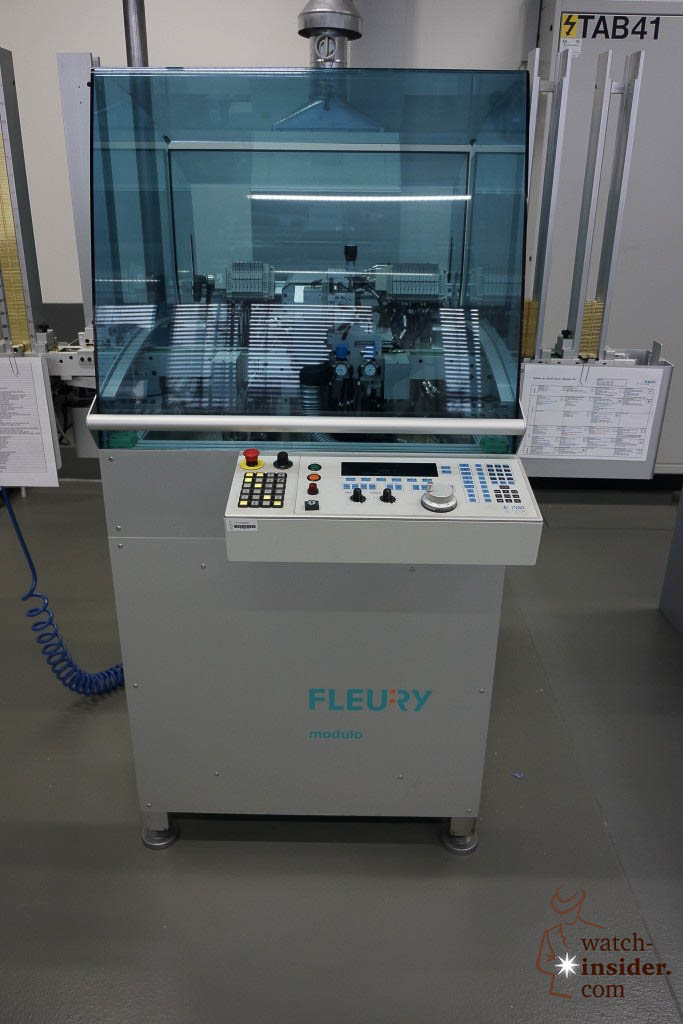 … this is are the brand new Fleury CNC-machines that trill and mill without oil …