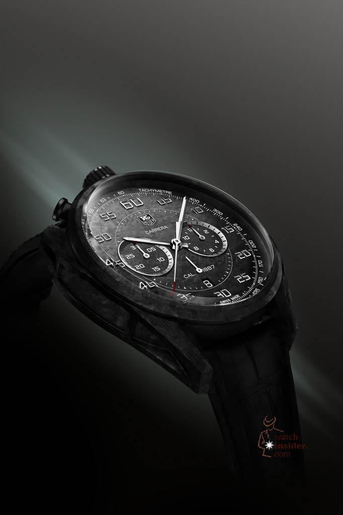 www.watch insider.com | reportages news  | In Geneva TAG Heuer presented the lightweight Carrera Carbon Calibre 1887 Concept Chronograph and its little brother | 3 TAG Heuer CARRERA CARBON 1887 CONCEPT CHRONOGRAPH 2 682x1024