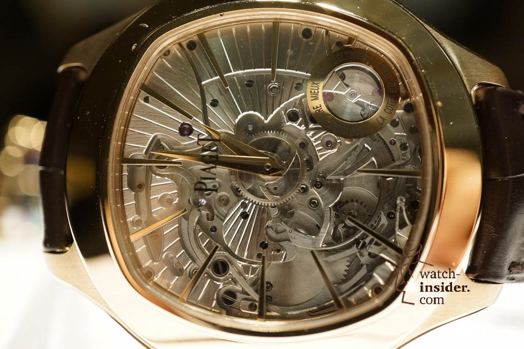 www.watch insider.com | reportages news  |  See the and listen to the Piaget Emperador Coussin Ultra Thin Minute Repeater presented at SIHH 2013 | DSC1520 1024x683