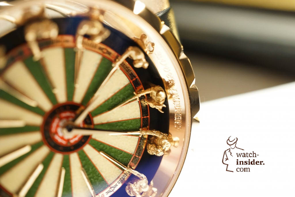 www.watch insider.com | reportages news  | Here comes a cool video and cool pictures! Jean Marc Pontroué, CEO Roger Dubuis, showing me the Excalibur Quatuor.  | DSC1645 1024x683