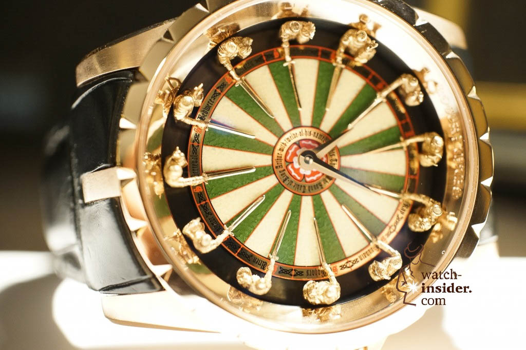 www.watch insider.com | reportages news  | Here comes a cool video and cool pictures! Jean Marc Pontroué, CEO Roger Dubuis, showing me the Excalibur Quatuor.  | DSC1649 1024x683