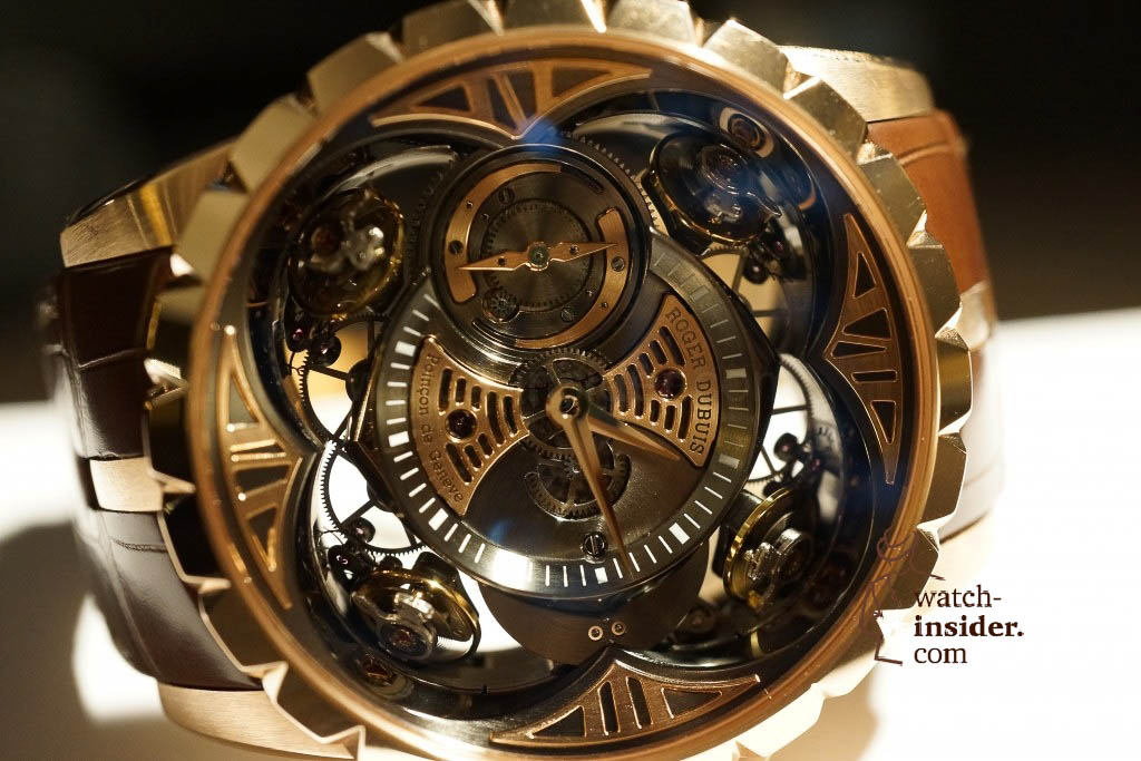 www.watch insider.com | reportages news  | Here comes a cool video and cool pictures! Jean Marc Pontroué, CEO Roger Dubuis, showing me the Excalibur Quatuor.  | DSC1658 1024x683