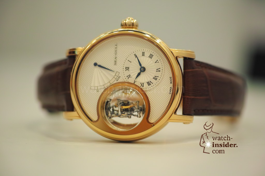 www.watch insider.com | videos reportages news  | My Chinese contributor Logan is showing us today two quite particular Sea Gull tourbillon timepieces. He discovered them at the Hong Kong Watch & Clock Fair. | 110 1024x682
