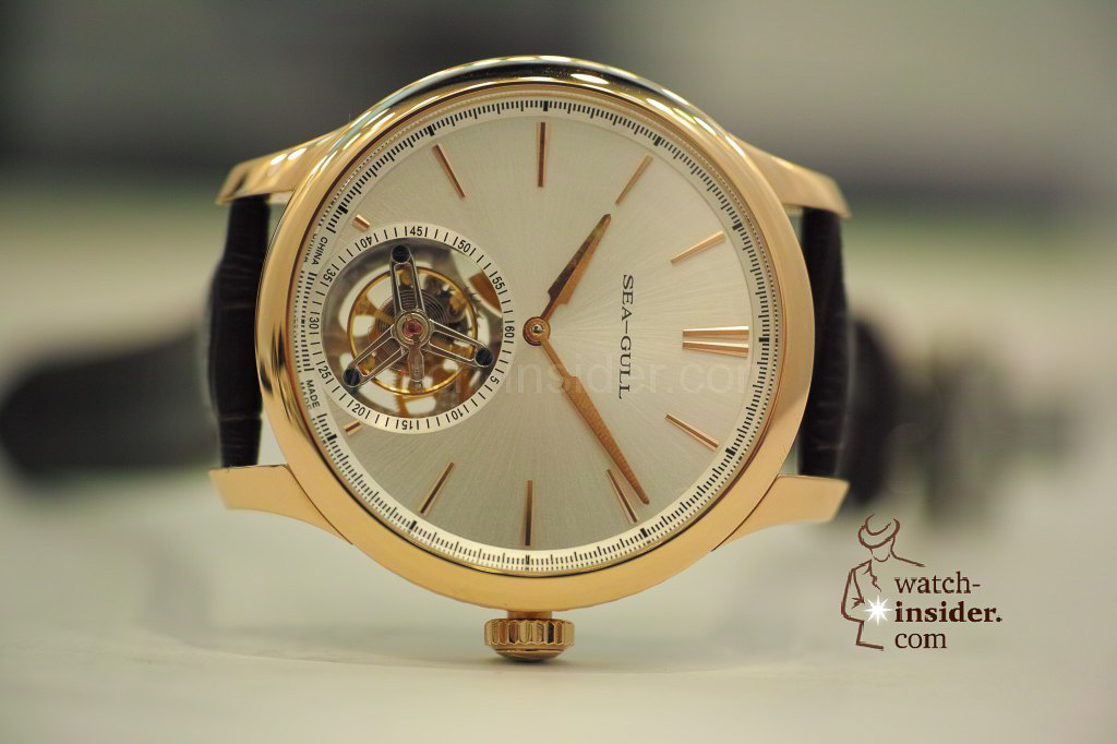 www.watch insider.com | videos reportages news  | My Chinese contributor Logan is showing us today two quite particular Sea Gull tourbillon timepieces. He discovered them at the Hong Kong Watch & Clock Fair. | 171 1024x682