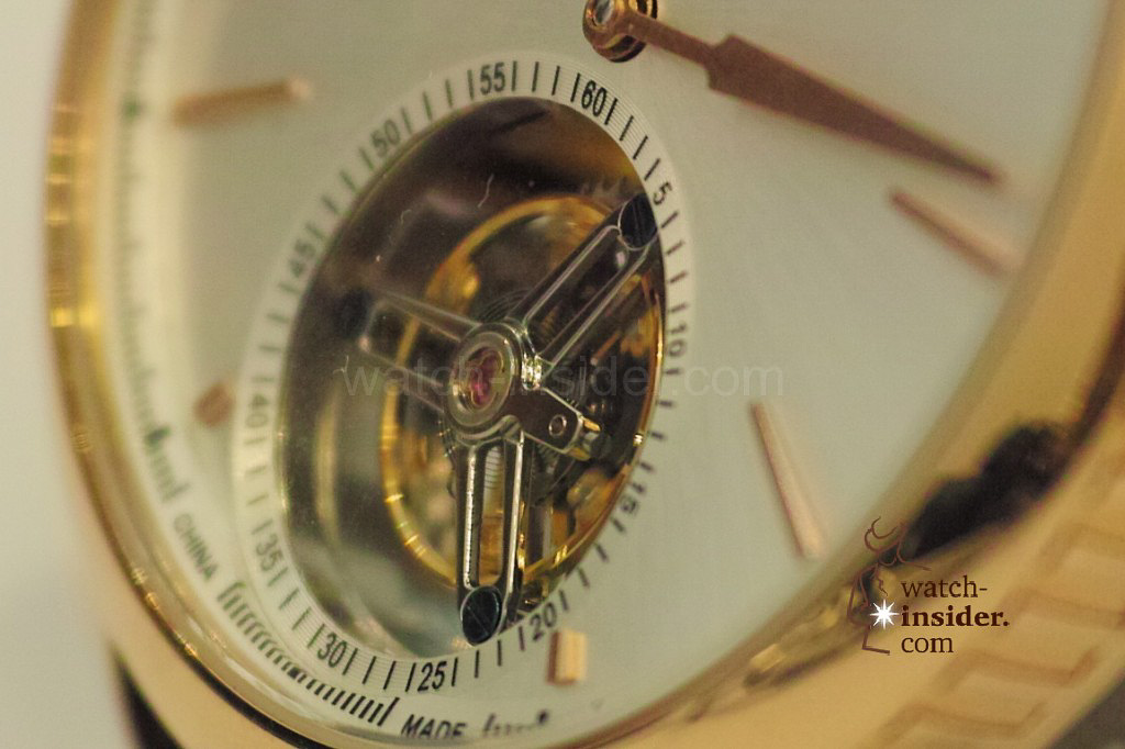 www.watch insider.com | videos reportages news  | My Chinese contributor Logan is showing us today two quite particular Sea Gull tourbillon timepieces. He discovered them at the Hong Kong Watch & Clock Fair. | 212 1024x682