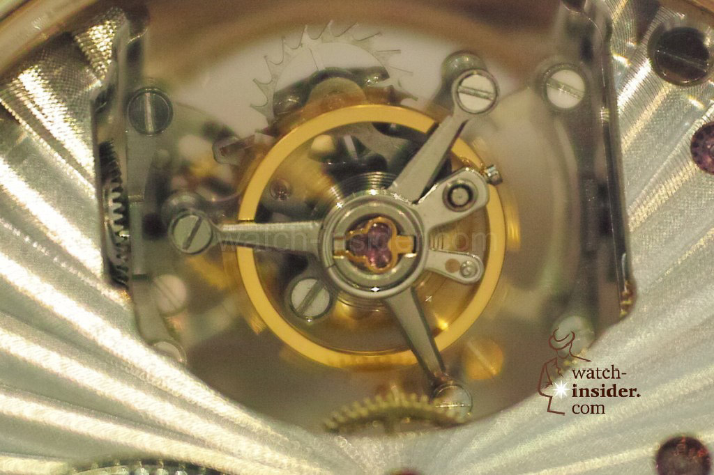 www.watch insider.com | videos reportages news  | My Chinese contributor Logan is showing us today two quite particular Sea Gull tourbillon timepieces. He discovered them at the Hong Kong Watch & Clock Fair. | 30 1024x682