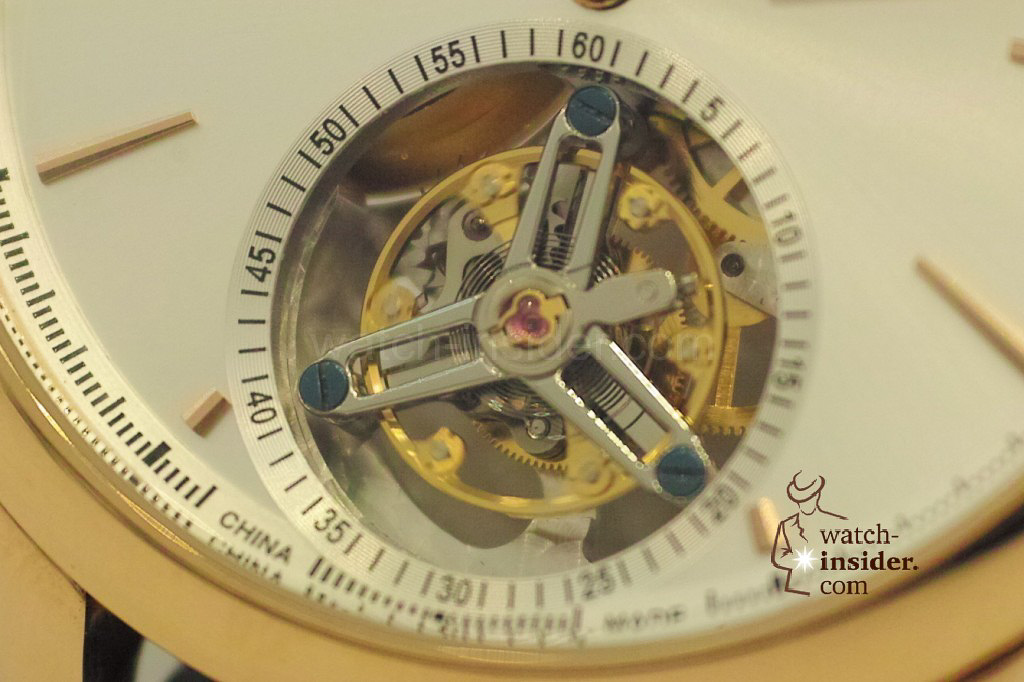 www.watch insider.com | videos reportages news  | My Chinese contributor Logan is showing us today two quite particular Sea Gull tourbillon timepieces. He discovered them at the Hong Kong Watch & Clock Fair. | 311 1024x682