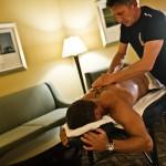 ... und die tägliche Massage ebenso nicht ... Unzertrennlich selbst dabei: Felix & sein Zenith Stratos El Primero Chronograf