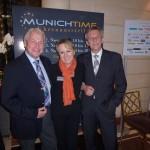 Impressionen von der Munichtime 2012: Ernst Trestl gehört zum Organisationsteam, neben ihm Ulrike und Rudolf Kreuzberger am Eingang der Munichtime